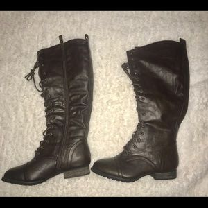 🆕Breckelles outlaw brown lace/zip up boots size 6